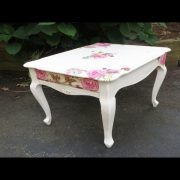 How to Decoupage Furniture with Napkins a Table