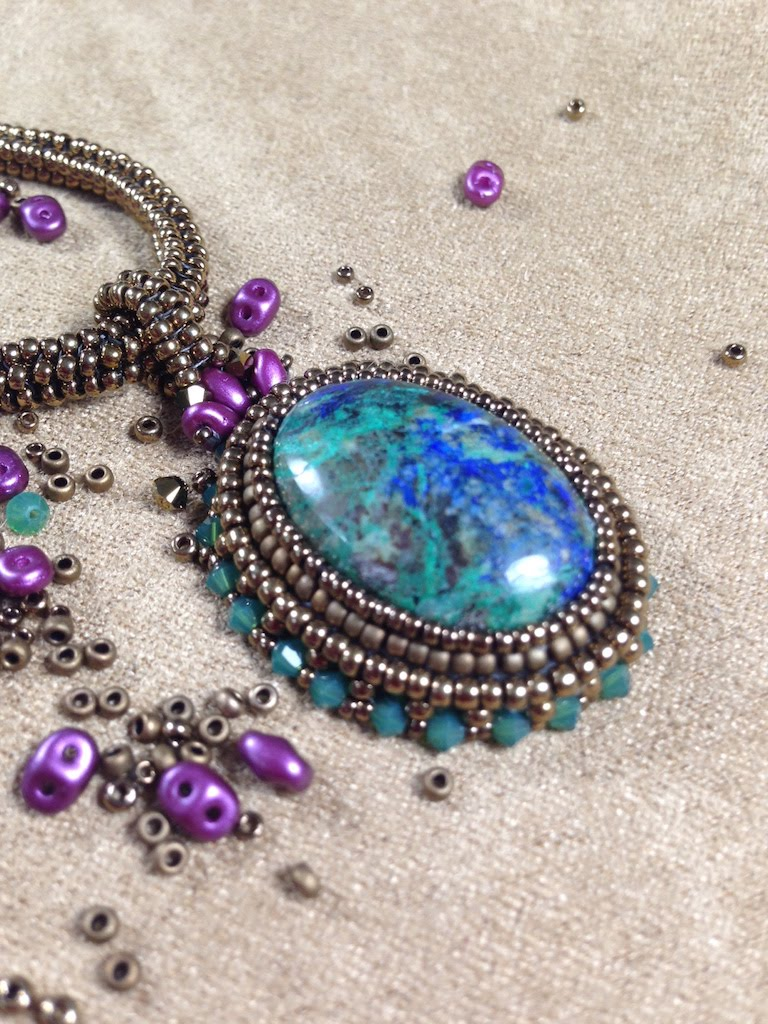 Mother Earth Pendant - Beading Around A Cabochon