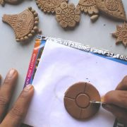 Terracotta /clay jewellery making tutorial: how to make a simple flower pendant